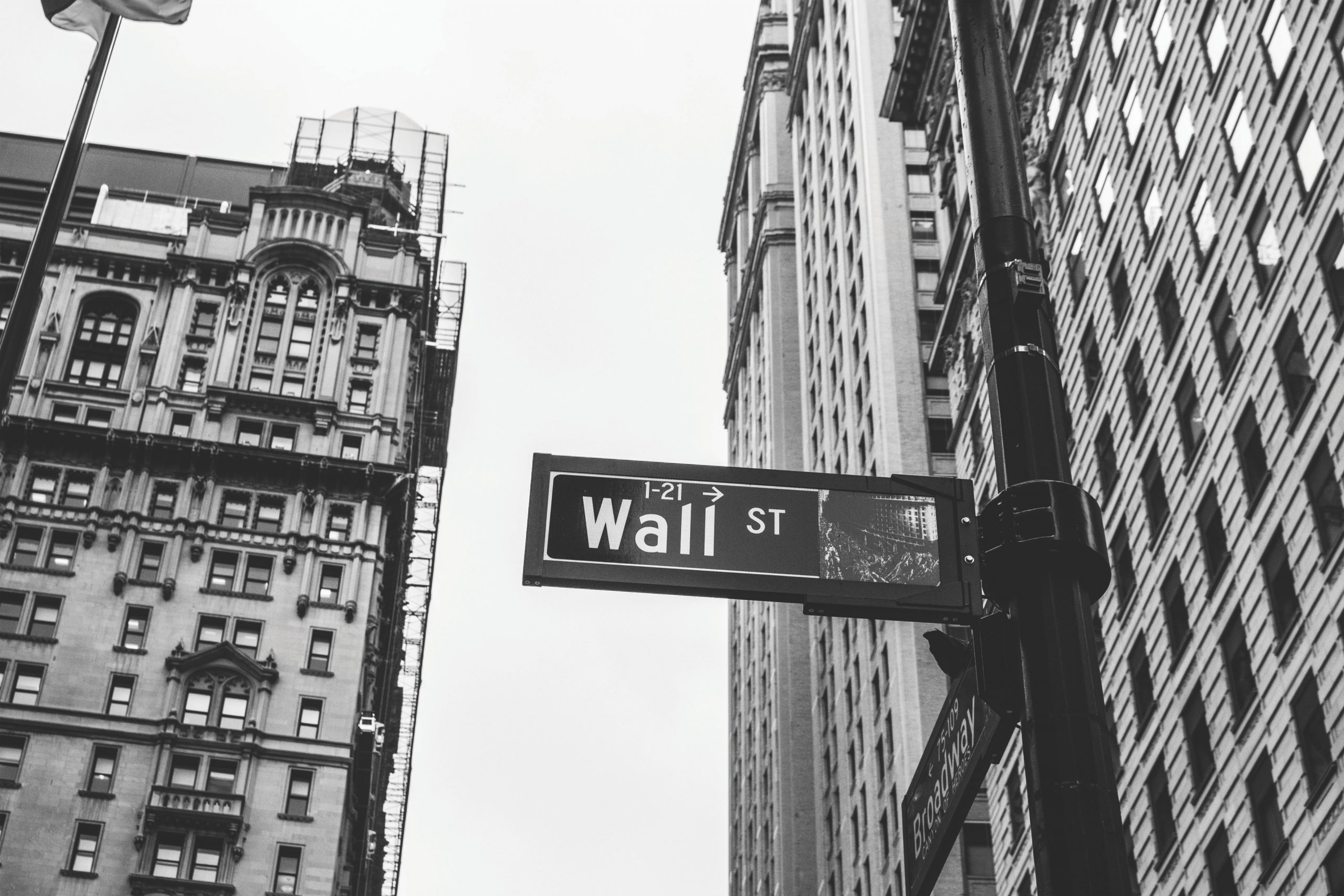 Sightline Conversations: The Dichotomy Between Wall Street and Main Street
